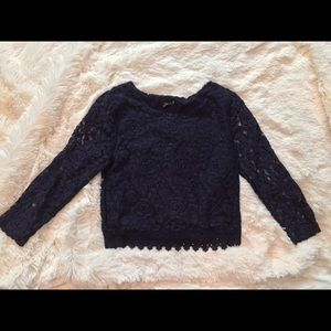Lace 3/4 sleeve crop top